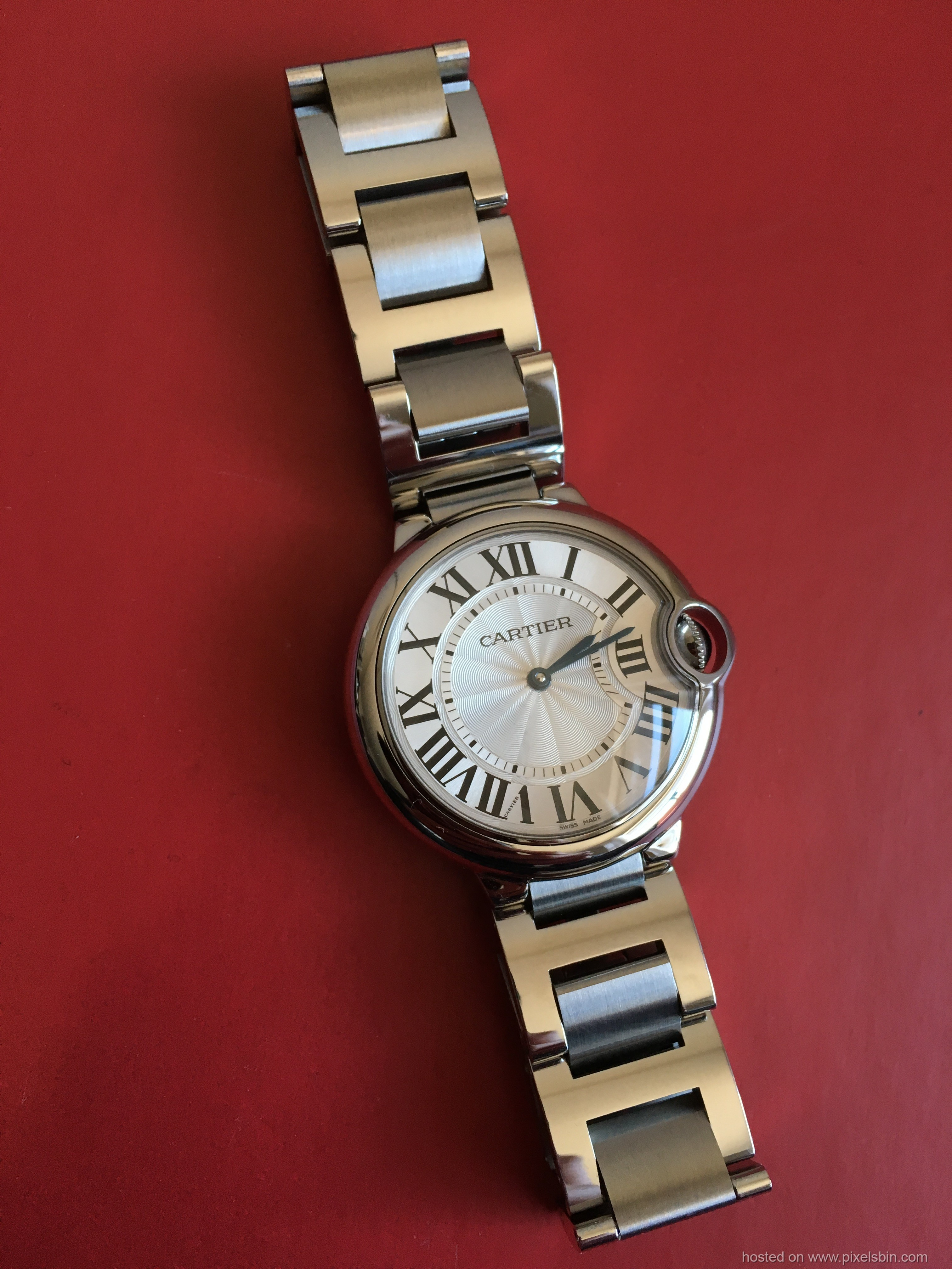 ... Santos and Ronde Solo. These are the watches that I have in my  collection currently and wanted to share fellow Cartier Fans. 54251f7f435